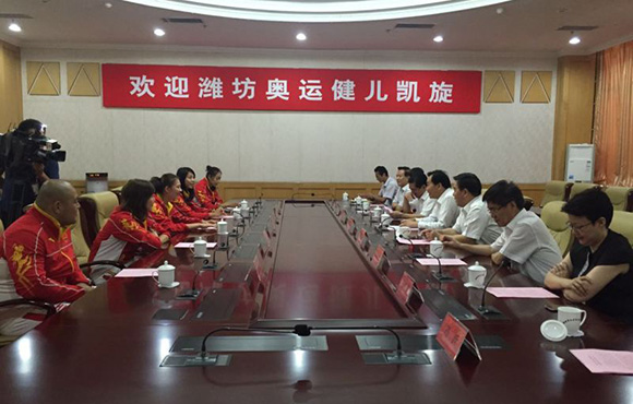 杨方旭,岳园,杨曼,刘海萍,孟强等5名潍坊籍运动员分别参加了排球,沙滩